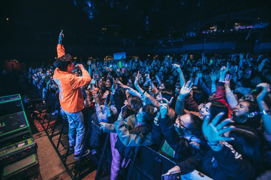 Eric Nam Charms Crowd at Royale Concert