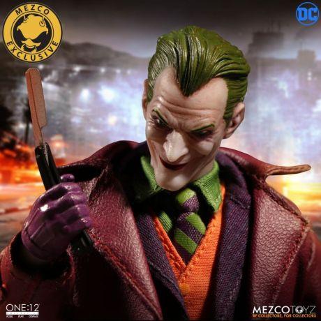 Mezco-Joker-13