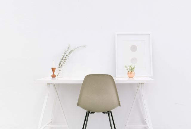 white-minimalist-table-work-from-home