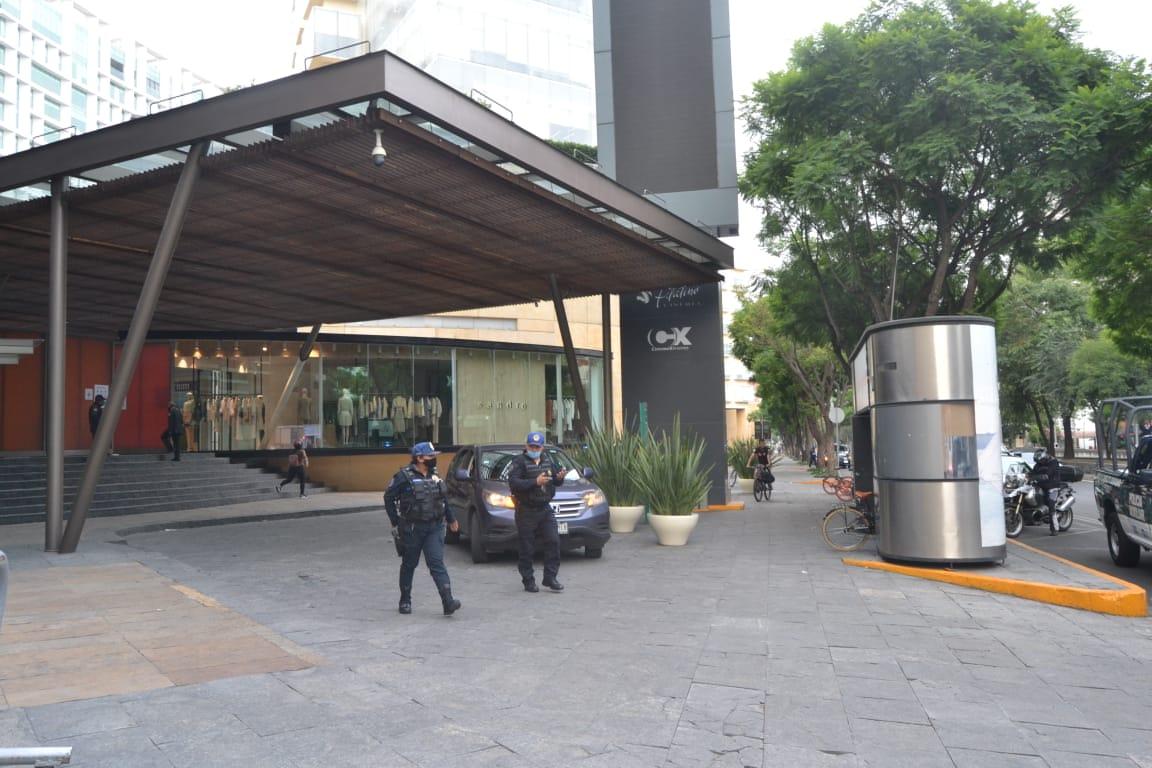 ASALTO EN TIENDA DE PLAZA ANTARA PROVOCA MOVILIZACIÓN POLICIACA