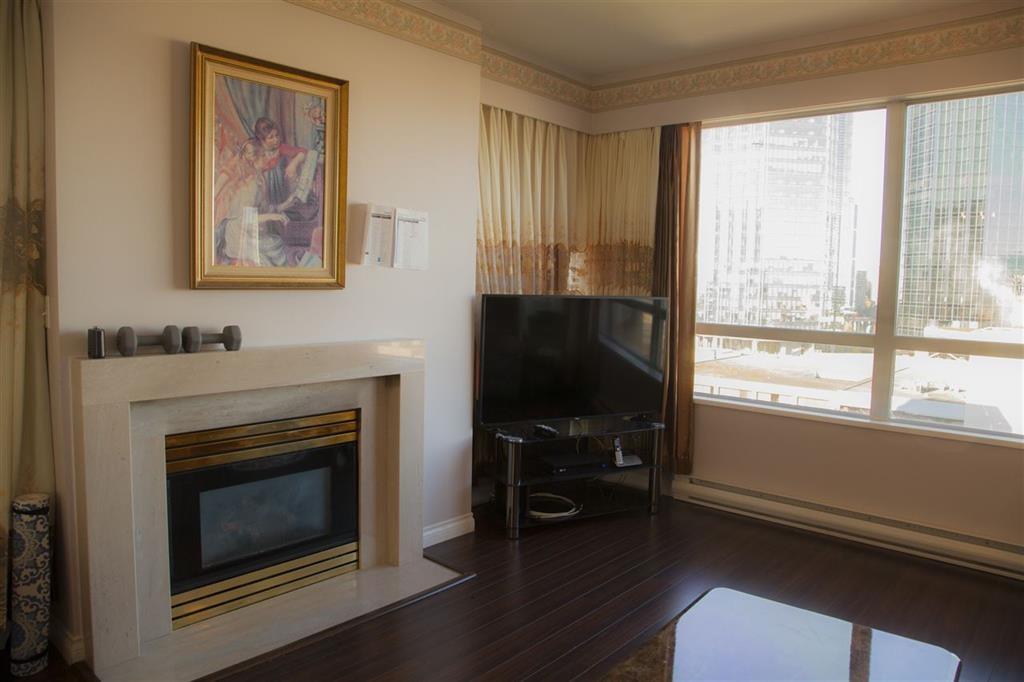 Location! Location! Location! Rarely available 1269 S.Q.F. +176 s.q.f. Balcony w/9' celling home in the heart of Metrotown. 2 bedroom w/den(coverted to 3rd bedroom) w/ 2 full baths w/great floor plan. Fully renovated in 2014 including newer engineering laminated flooring, baths, kitchen w/ S/S appliances and baseboard. Quiet corner unit w/south&west exposure w/fantastic city views. only 4 units share 2 elevators per floor. Building's exterior and elevator updated done! Owner oriented  and well managed complex is the great place to raise your family. Walk to skytrain, metrotown, TNT, Bonsor community centre, library, and restaurants. 1 parking #89, 1 locker#53 included. Visitor parking, sauna, GYM, Ping Pong room and 10k+s.q.f. open garden! No pets or rents. A must see! Bring in your offer as it won't last long! Open house cancelled.