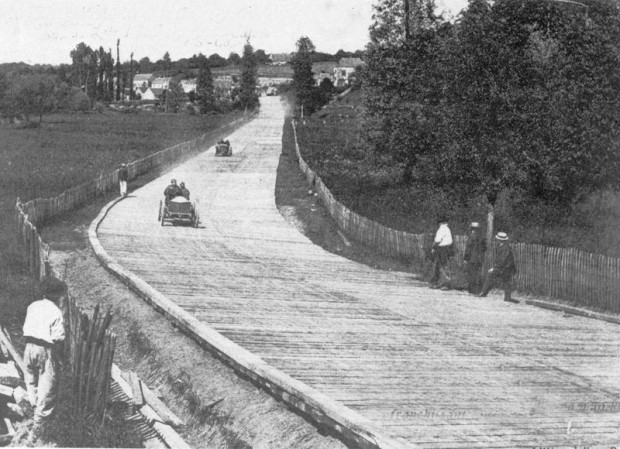 Wooden passerelles at 1906 French Grand Prix