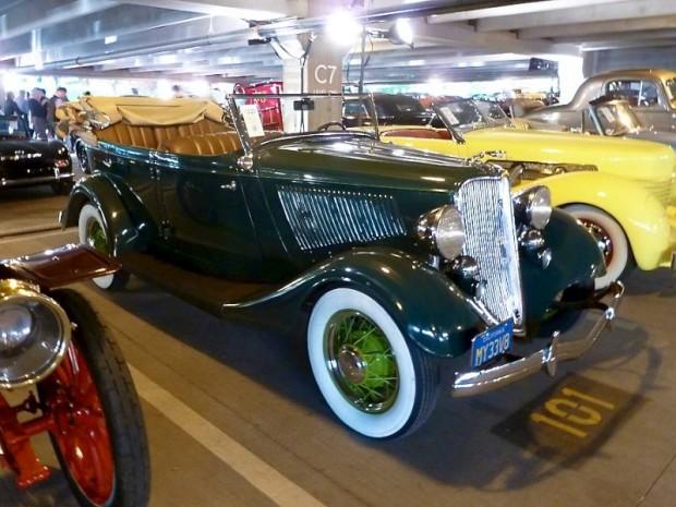 1933 Ford Deluxe Phaeton