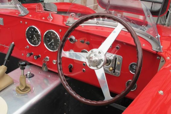 1964 Alfa 2600 Dash