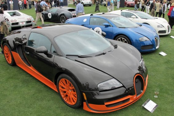 Bugatti Veyron 16.4 Super Sport World Record Edition - Isidoro Lambrozo, and other Veyrons. Photo William Edgar