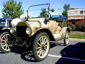1915 Ford at Hershey Fall Classic 2010