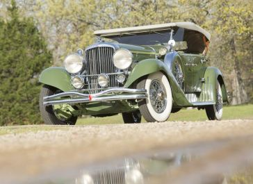 1932 Duesenberg Model J Tourster (photo: Pawel Litwinski)