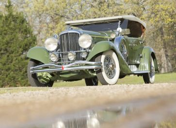 1932 Duesenberg Model J Tourster (photo: Pawel Litwinski)
