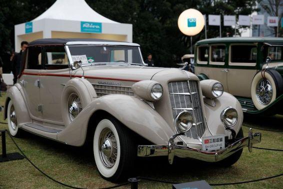 1935 Auburn 852