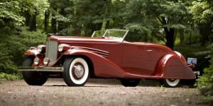 1935 Duesenberg SJ Roadster; © 2009 Courtesy of Gooding & Company