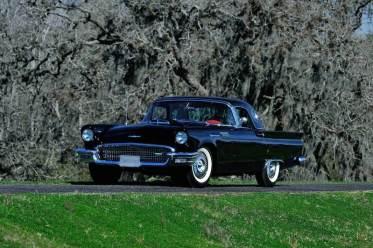 1957 Ford Thunderbird (photo: David Newhardt)