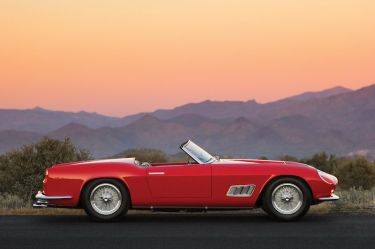 1958 Ferrari 250 GT LWB California Spider Side