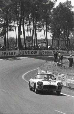 Cunningham Corvette - John Fitch and Bob Grossman - 1960 24 Hours of Le Mans