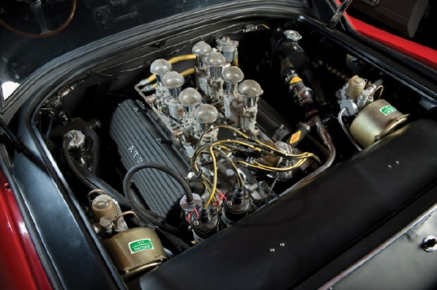 <strong>3.0-litre V8 engine designed by Chiti, with a light-alloy block and cylinder heads, a single overhead camshaft per cylinder bank, as well as a quartet of Weber twin-choke carburetors</strong>