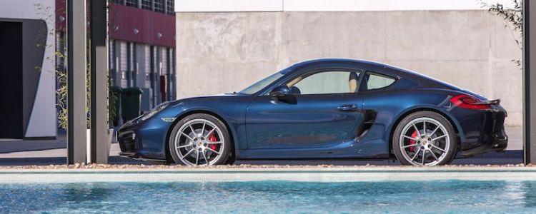2014 Porsche Cayman S - Profile