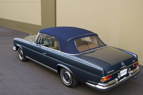 1971 Mercedes Benz 280SE 3.5 Convertible