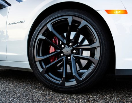 ZL1-Inspired Ten-Spoke Wheel [Photo: Chevrolet]
