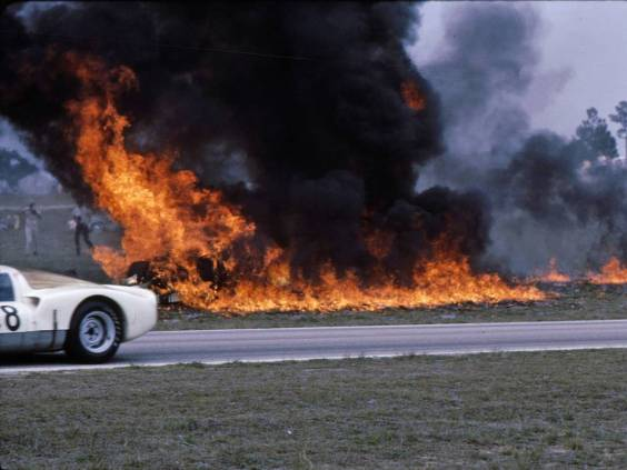 The McLean GT40 landed on its top and became fully engulfed in flames. A nearby fire truck had only water on board and a couple of ten pound fire extinguishers which was woefully inadequate for the task. (Bill Stowe photo)