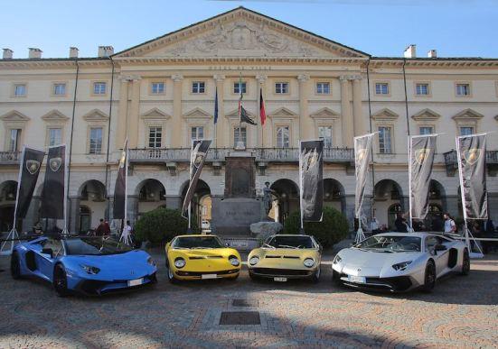 Lamborghini Miuras and Aventadors in Val d'Aosta