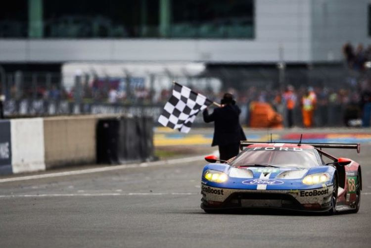 Ford GT winning the 24 Hours of Le Mans 2016