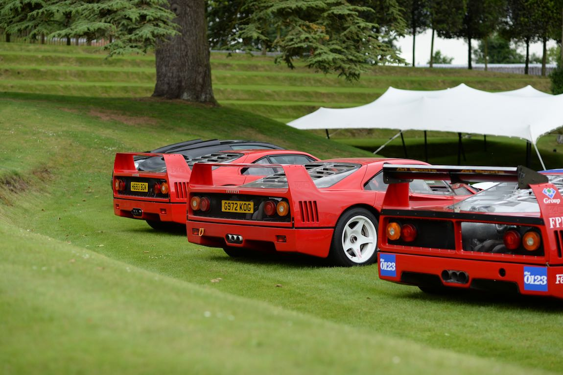Ferrari F40 Line-up (photo: Rufus Owen)