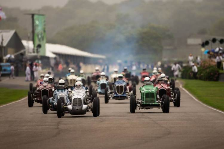 Goodwood Trophy Race Start, 2016 Goodwood Revival (Photo: Nick Dungan)