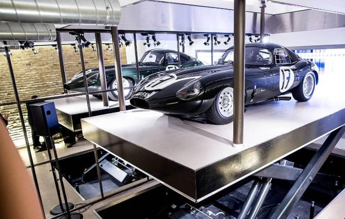 Hydraulic lift at Fiskens