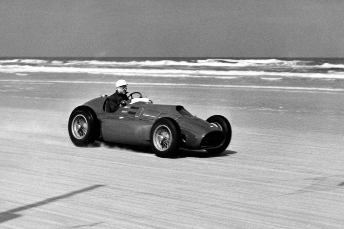Alberto Ascari piloting a Ferrari 375 Indy on Daytona Beach in Florida (photo: Ferrari)
