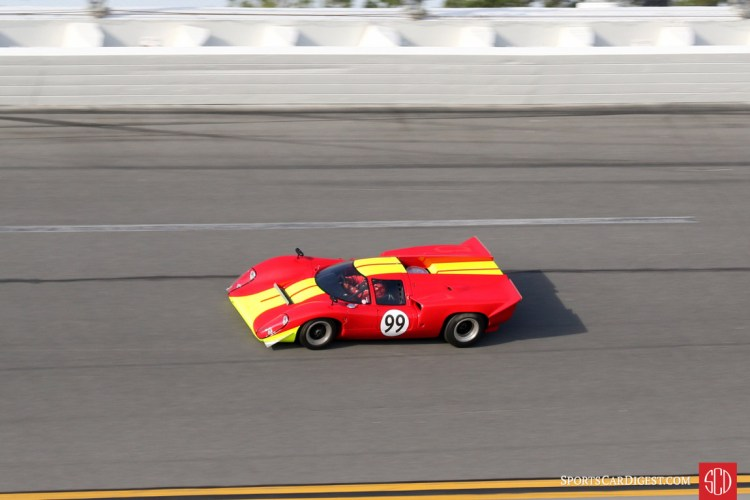Mike Moss, 69 Lola T70 Mklllb