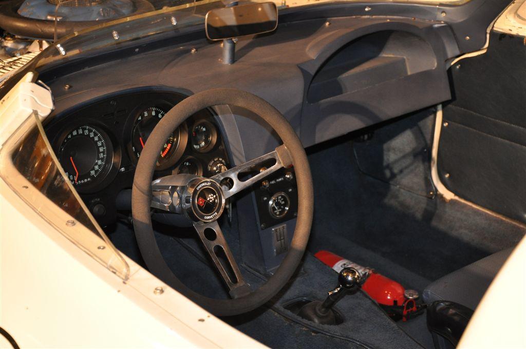 corvette-grand-sport_interior.jpg