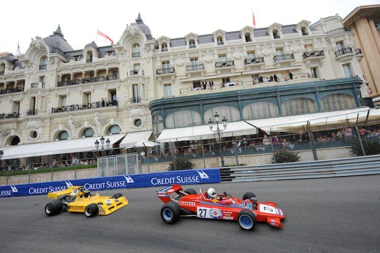 Richard Trott's Modus M1 leads Angela Grasso's Dallara 382