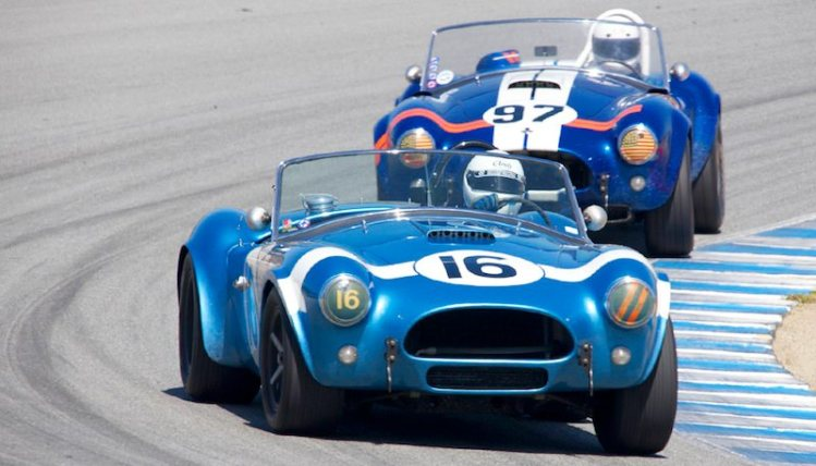 Next lap - Lynn Park's 1964 Cobra leads the 1962 Cobra of Steve Park.