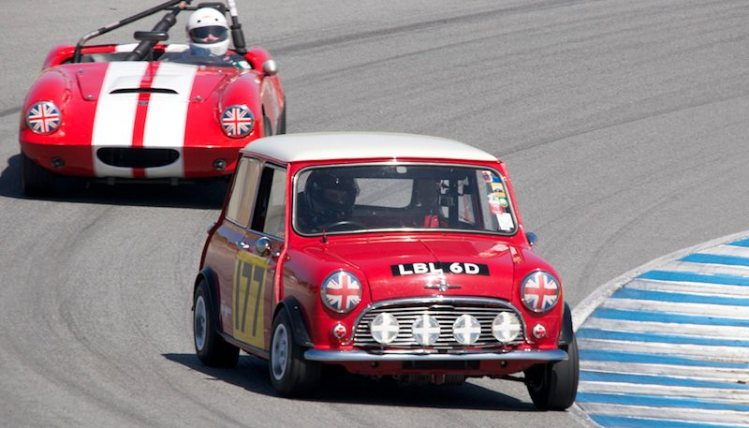 Mini Cooper and Elva Courier battle it out.