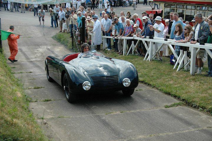 george-gebhard-tackles-the-hill-in-his-1935-alfa-romeo-6c-2300-aerospyder