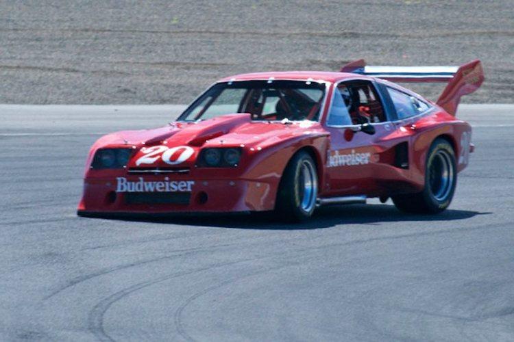 In turn 2 Ken Epsman's Dekon Monza.