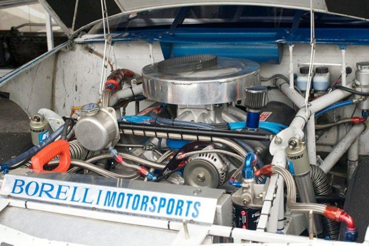 Ralph Borelli's 1994 Ford Thunderbird engine.