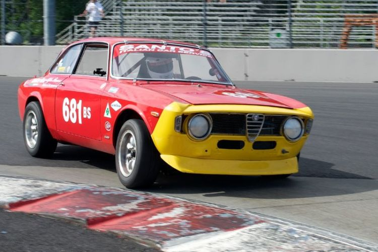 1968 Alfa Romeo Jr. driven by Anthony Rimicci.