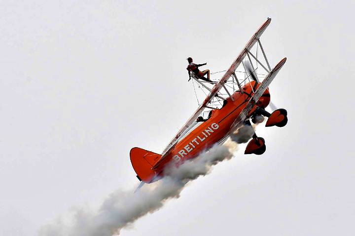 breitling-wing-walkers-stunned-the-crowd