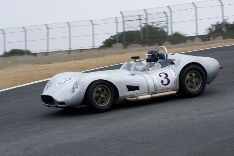 All Alciero in his 1958 Lister Chevrolet Knobbly.