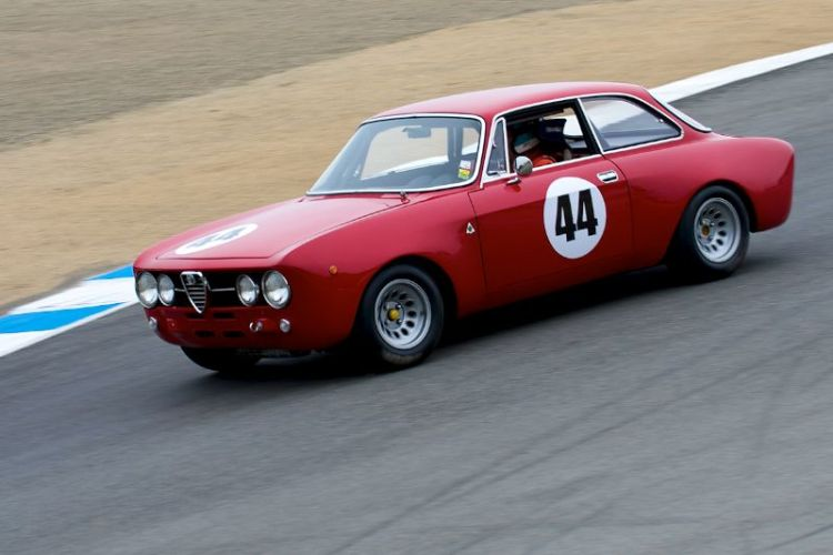 Steven Cole's 1968 Alfa Romeo GT AM in the Corkscrew.