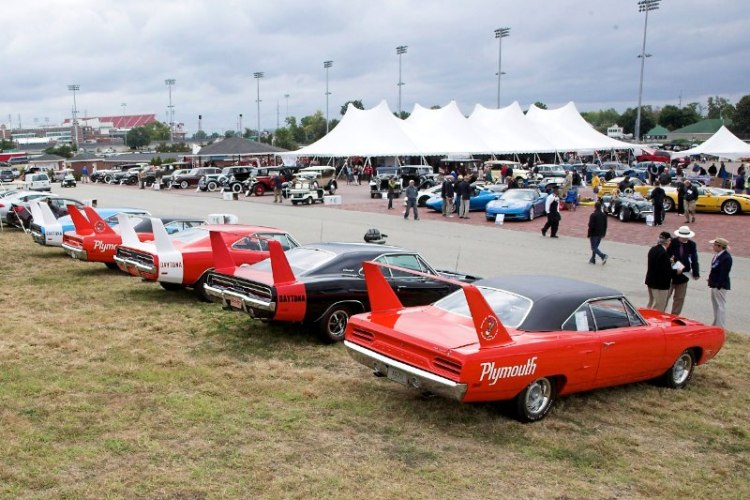 The Winged Warriors, 1969 Dodge Charger Daytonas and 1970 Plymouth Super Birds