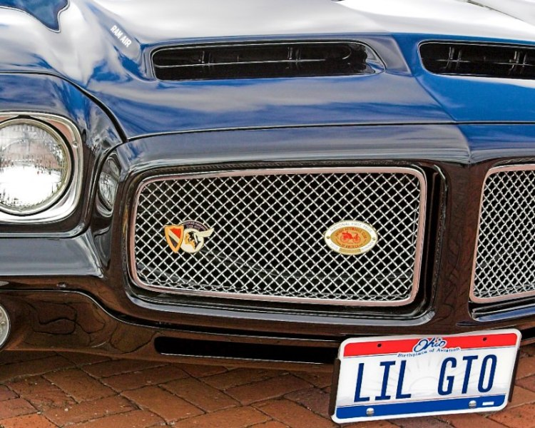 Little GTO, you're really lookin' fine! Ronny and the Daytonas Study of a 71
