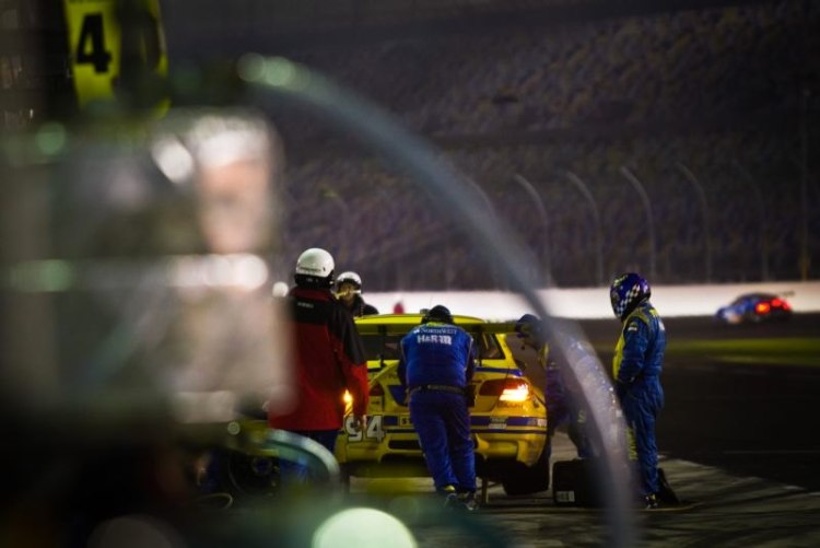 pit-stop-for-bmw-m3