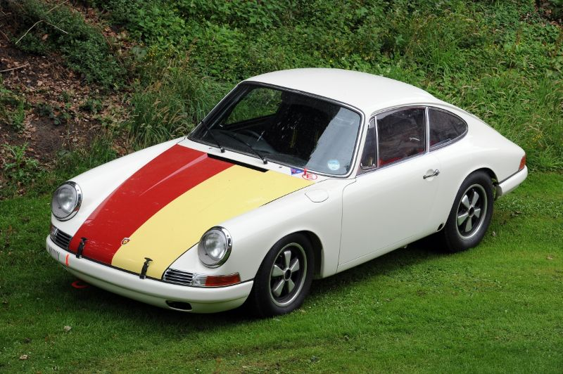 Porsche 911 T/R
