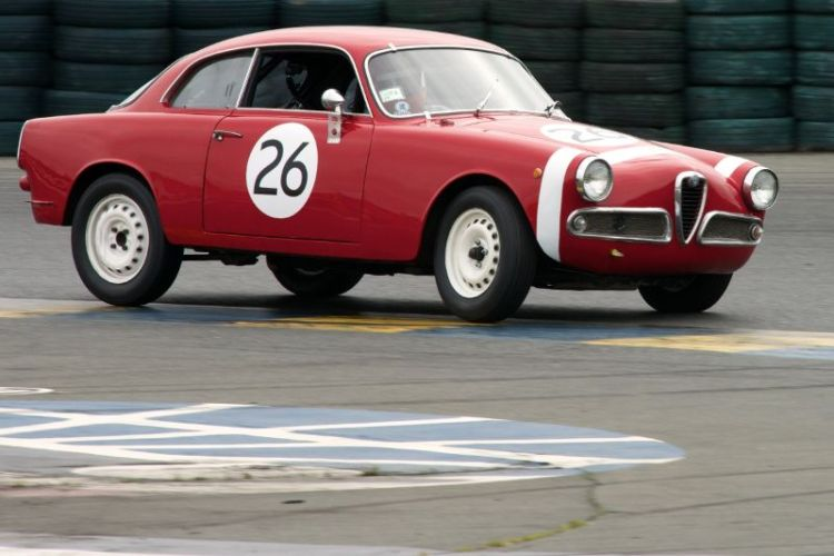 Friday afternoon practice. Nick Price in his 1961 Alfa Romeo Giulietta Sprint Veloce. Turn eleven.