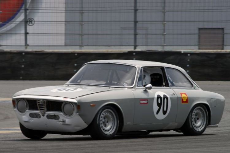 Jeff Hill's 1967 Alfa Romeo GTV in eleven.
