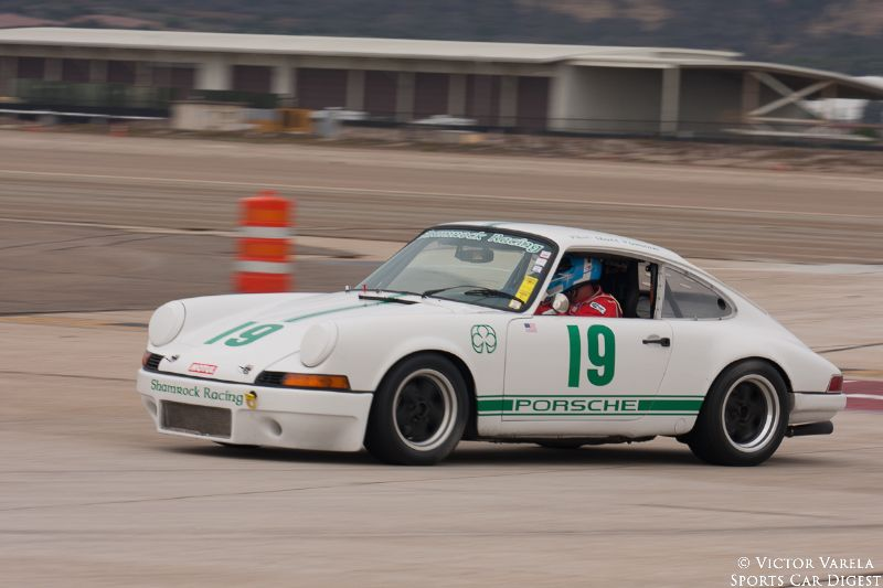 Matt Parsons going into turn 11 in his 1969 Porsche 911. © 2014 Victor Varela