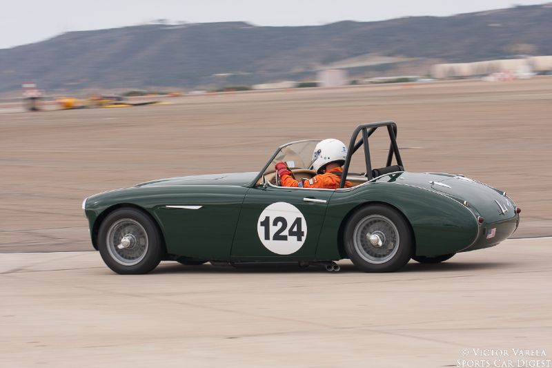 Gary Black going into turn 11 in his 1960 Austin-Healey 3000 Mk1.