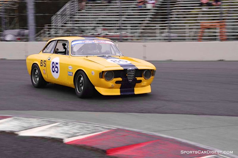 Bob Wass' 1967 Alfa Romeo GTV during Portland Historic Races 2015