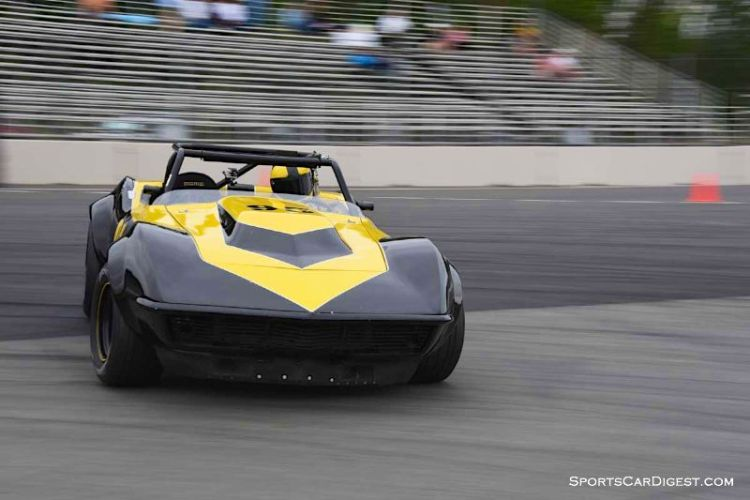 Eric Dolson gets loose in the  1969 Chevrolet Corvette at  Portland Historic Races 2015